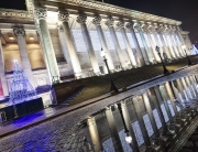st-georges-hall-liverpool-at-christmas-puddle-reflection-formidable-phot